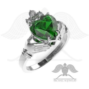 Claddagh! GREEN heart ring